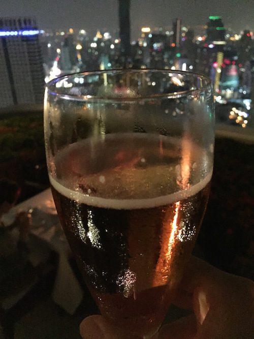 ルーフトップバーシロッコのビール