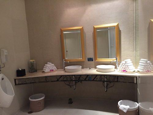 ルーフトップバーシロッコのトイレ