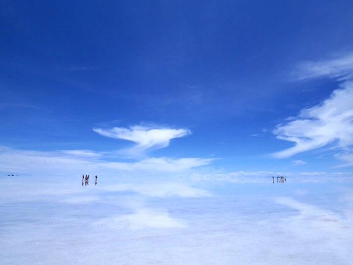 昼のウユニ塩湖