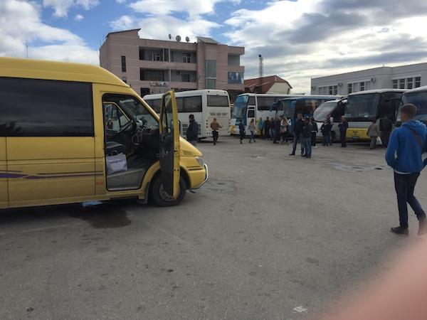 ティラナからサランダ行きのバス