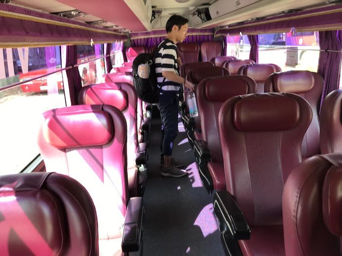SoryaのVIPバスの車内