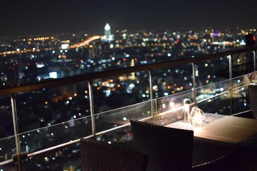 Moon Barの夜景