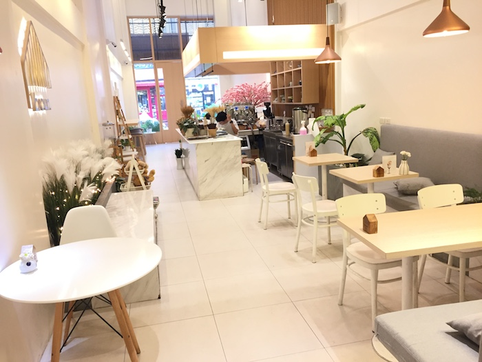 Brown Cafe店内
