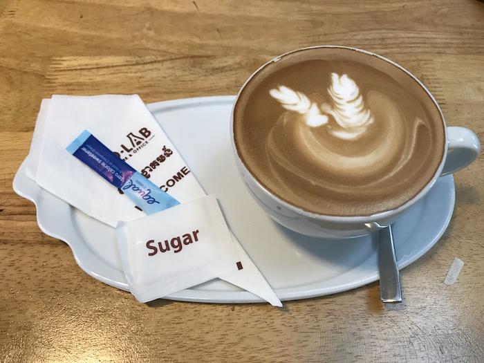 BioLAB Coffee & Officeのカフェラテ