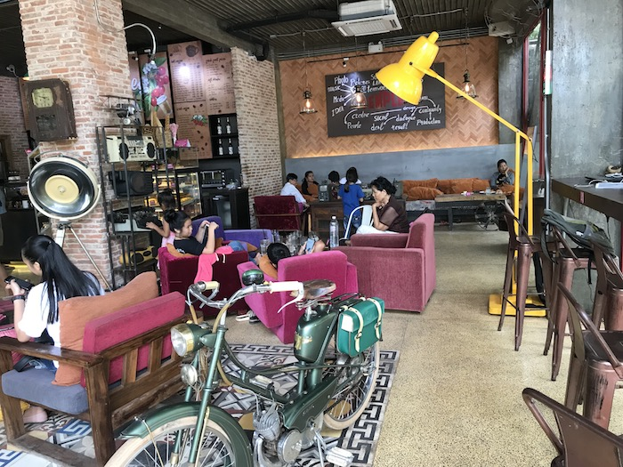 「Temple Coffee n Bakery」の店内