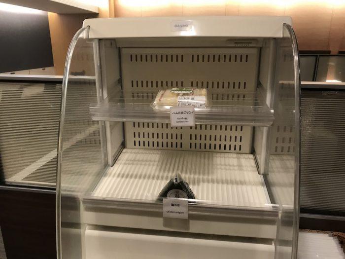 セントレア空港のラウンジの軽食