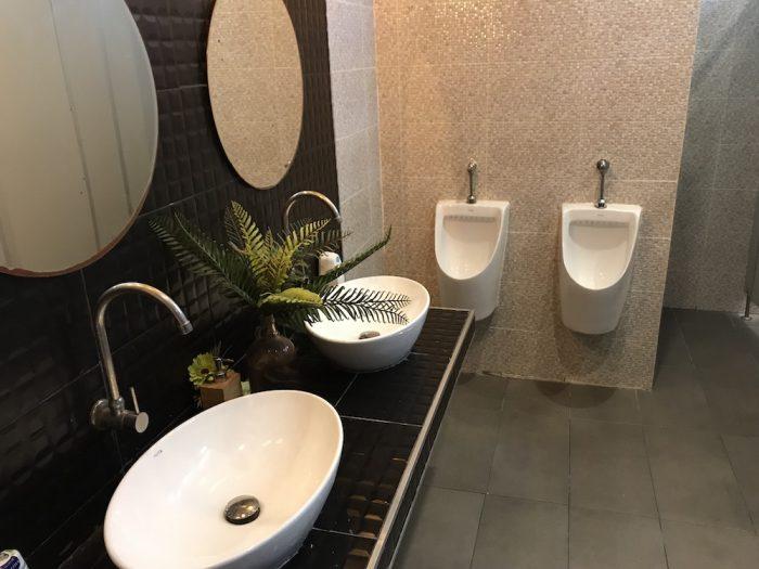 Rowhou8e Hostel Hua Hin 106のトイレ