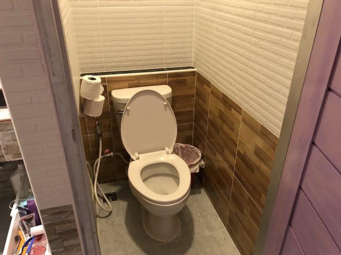 Click Hostelのトイレ