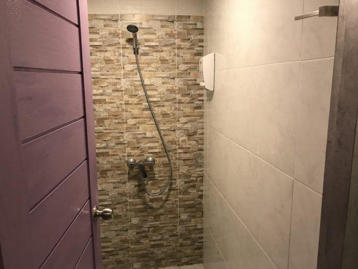 Click Hostelのシャワー