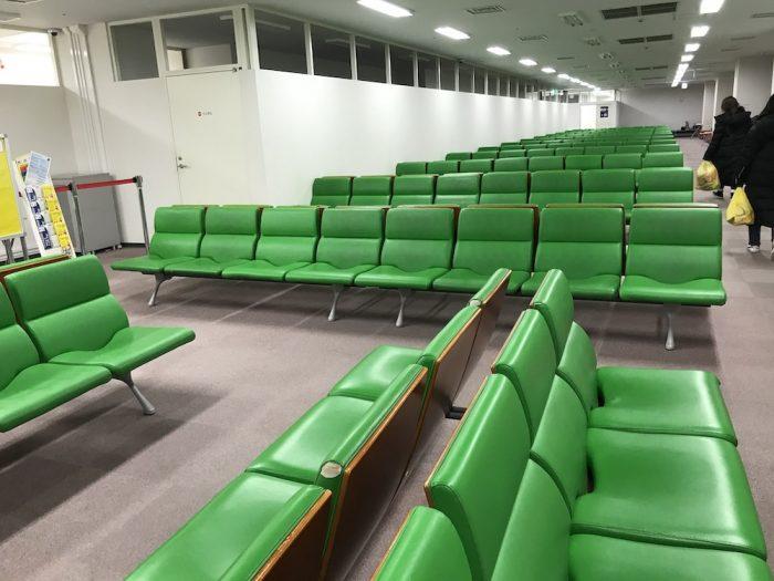 関空で空港泊、エアロプラザの休憩室