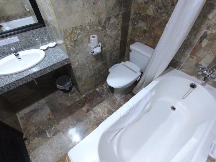 東屋ホテルのバストイレ