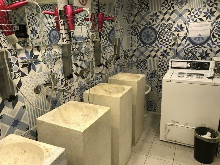 エンジェルスホステル台北西門の洗面所