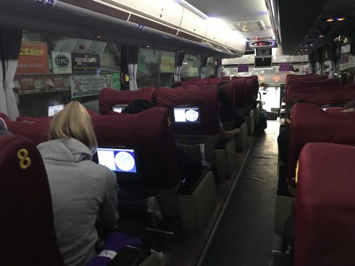 JJエクスプレスのバス車内