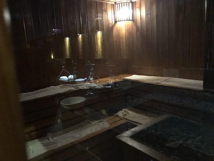 東屋ホテルの露天風呂のサウナ