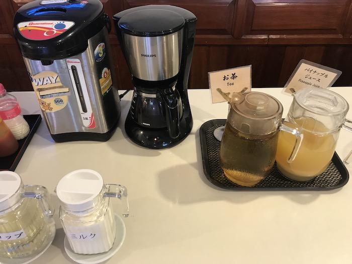 東屋ホテルの朝食 お茶とコーヒー