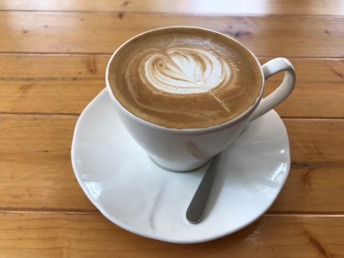 The Coffeeholicのラテ