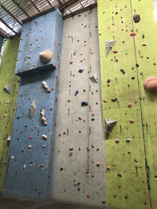 ロープクライミング壁