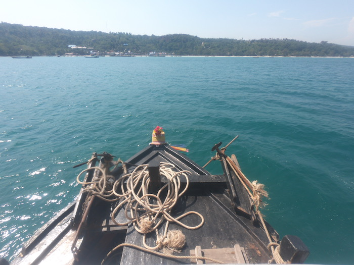 ダイビングボート