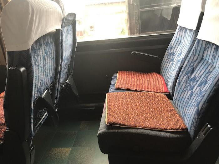 メコンエクスプレスのバスシート