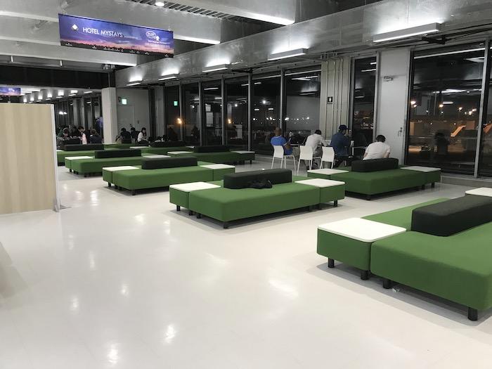成田第3ターミナルゲート付近待合室